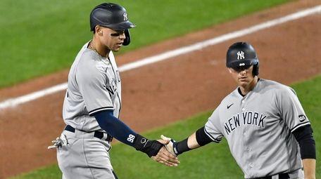 The Yankees' Aaron Judge, left, and DJ LeMahieu