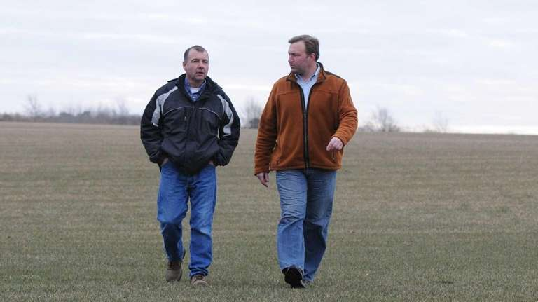 Frank Beyrodt, right, and his cousin, Rick DeLea,