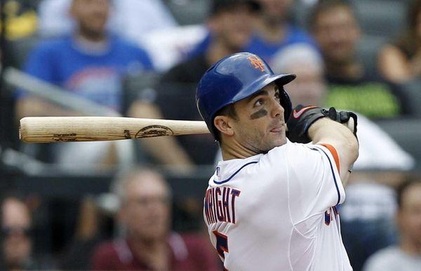 Mets third baseman David Wright hits a three-run