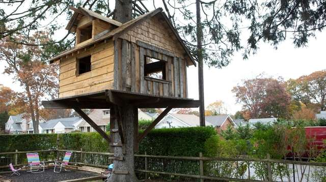 Babylon Village resident John Lepper built this treehouse