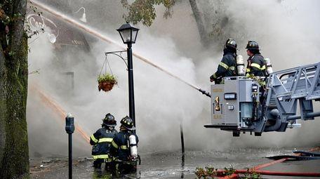 Firefighters battle blaze on Convert Avenue in Floral
