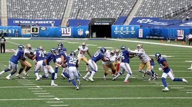 Wayne Gallman of the New York Giants takes