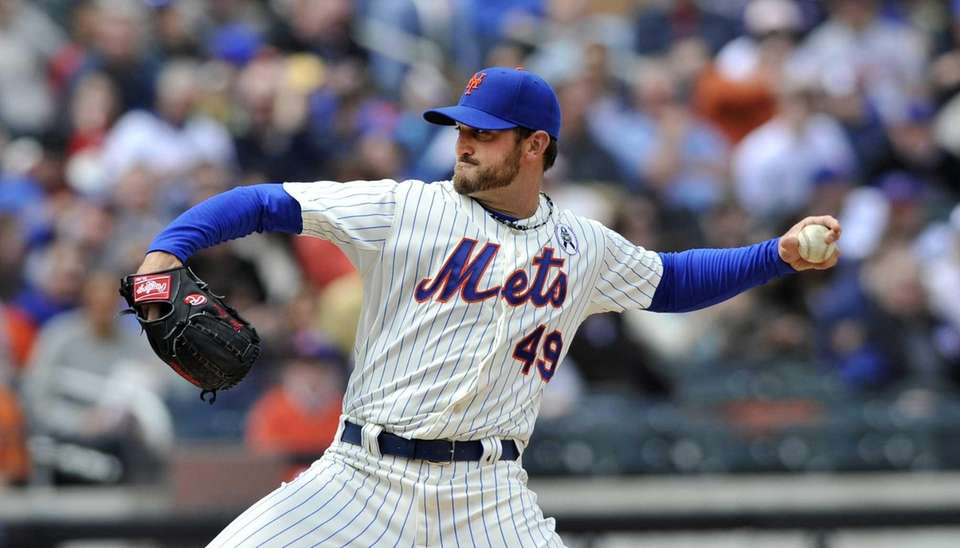 Jonathon Niese pitching in the first inning