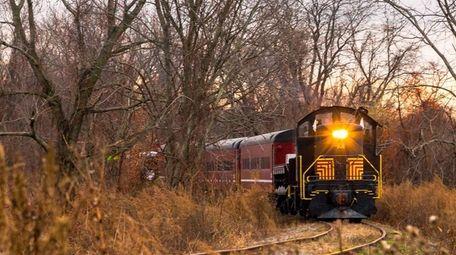 The Catskill Mountain Railroad's 45-minute Fall Foliage train