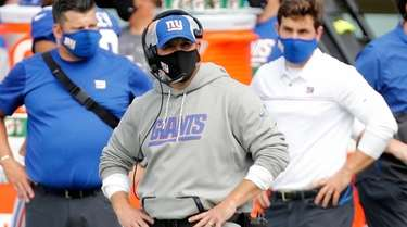Head coach Joe Judge of the Giants looks