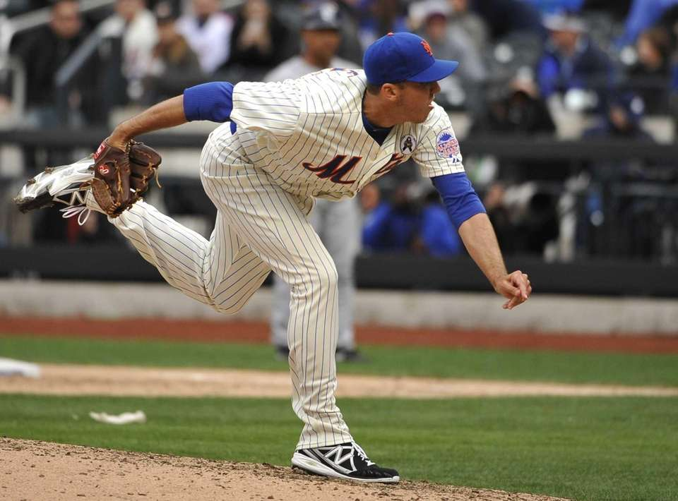 Scott Rice delivers a pitch in his major-league