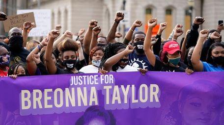 Black Lives Matter protesters march on Sept. 25,