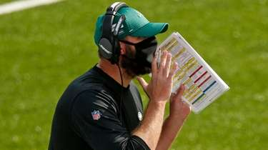 Jets head coach Adam Gase yells instructions during