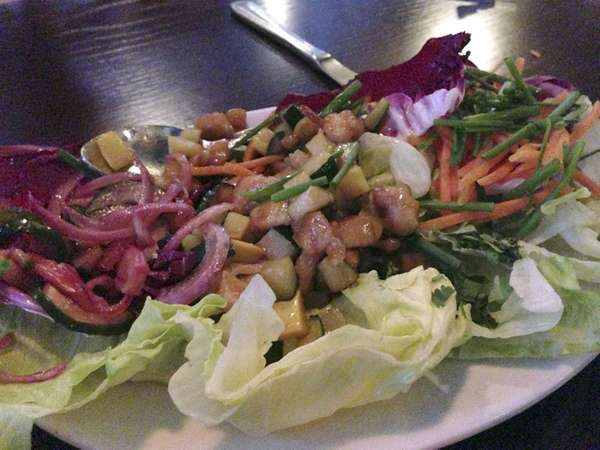Thai chicken lettuce wraps at Jackson's in Commack