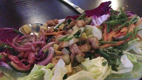 Thai chicken lettuce wraps at Jackson's in Commack