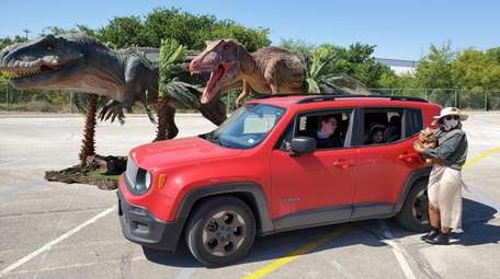 Jurassic Quest, a drive-through dinosaur experience, is coming