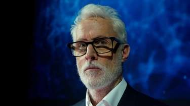 John Slattery stars in the Fox series