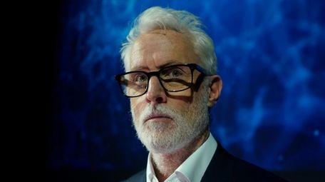 John Slattery stars in the Fox series