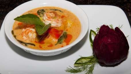 Mango curry with shrimp at Frankly Thai in