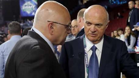 Barry Trotz and Lou Lamoriello of the