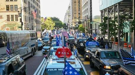 Pro-Trump rally on Fifth Avenue for President Trump
