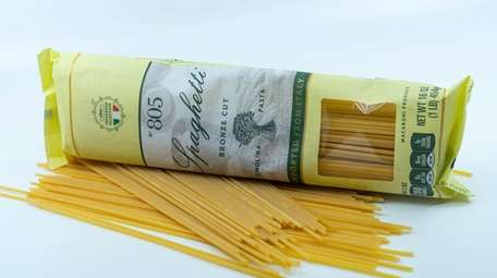 Bronze cut spaghetti, a product from Italy in