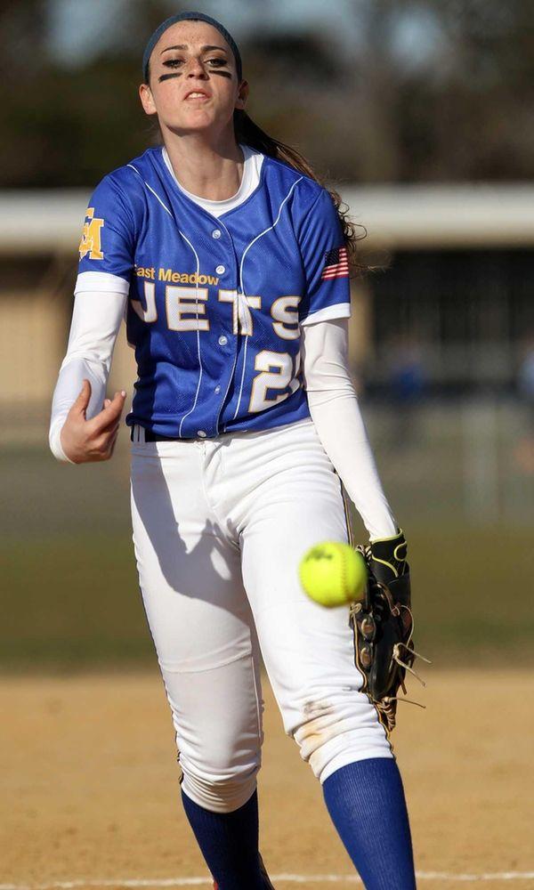 East Meadow's Kerri Shapiro pitches against MacArthur. (April