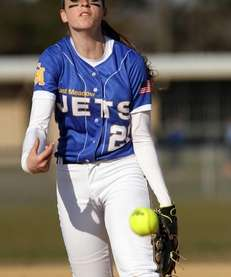 East Meadow's Kerri Shapiro pitches against MacArthur. (April