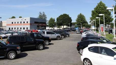Smithtown Nissan closed last month after losing its