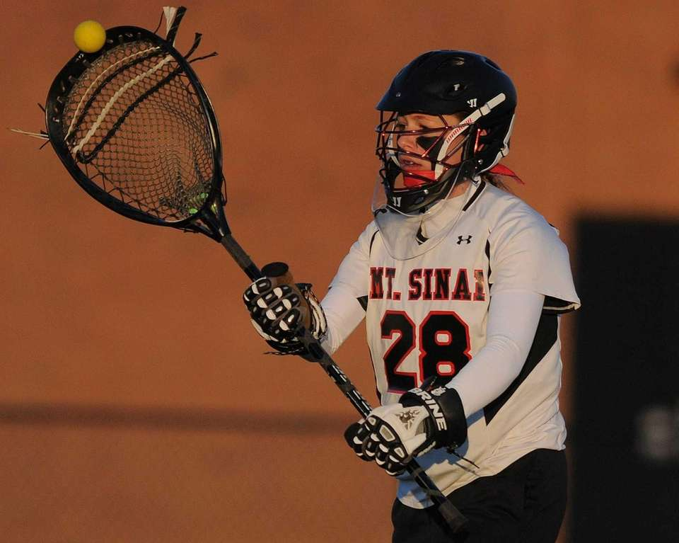 Mt. Sinai goalie Julia Michaels makes an outlet