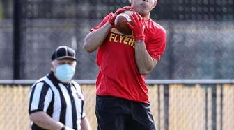 Chaminade's Mario Fischetti makes the catch against St.