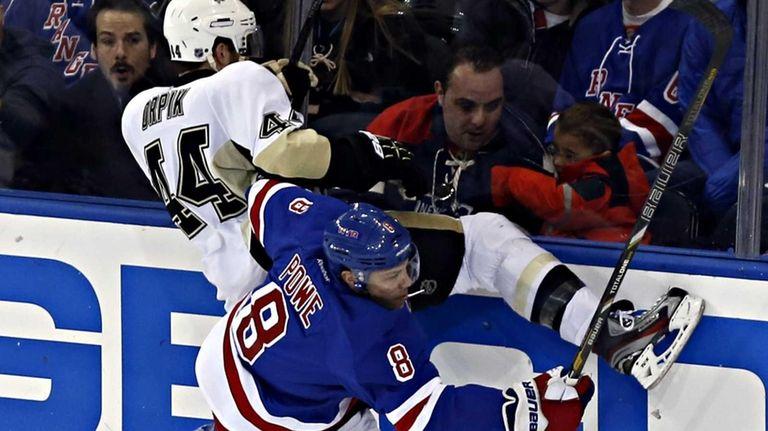 Rangers defenseman Michael Del Zotto puts Pittsburgh Penguins