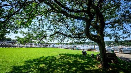 Improvements to the Halesite Marina Park in Huntington