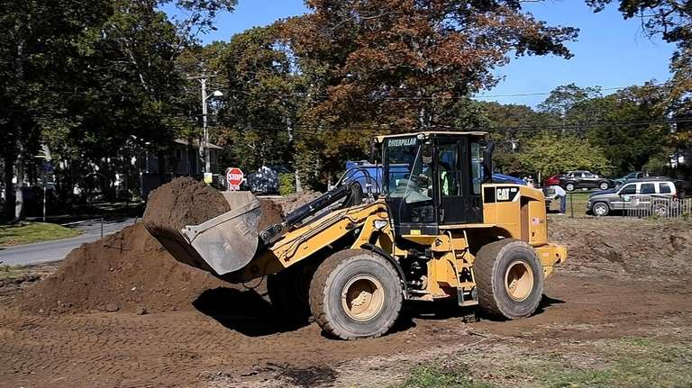 Cleanup of LI toxic dumping sites begins