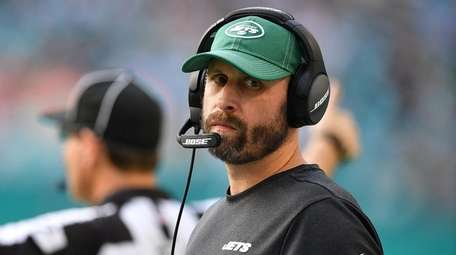 Jets head coach Adam Gase coaching against the