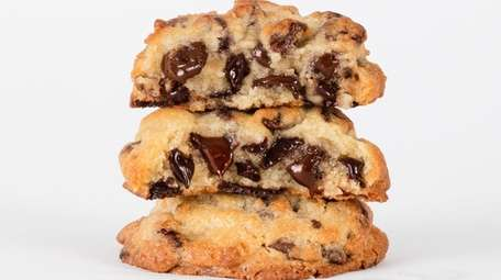 Levain Bakery chocolate-chip cookies are now available, frozen,