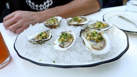 Newsday food writer Scott Vogel dines at waterfront