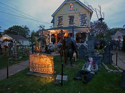 One of the Halloween houses worth a drive