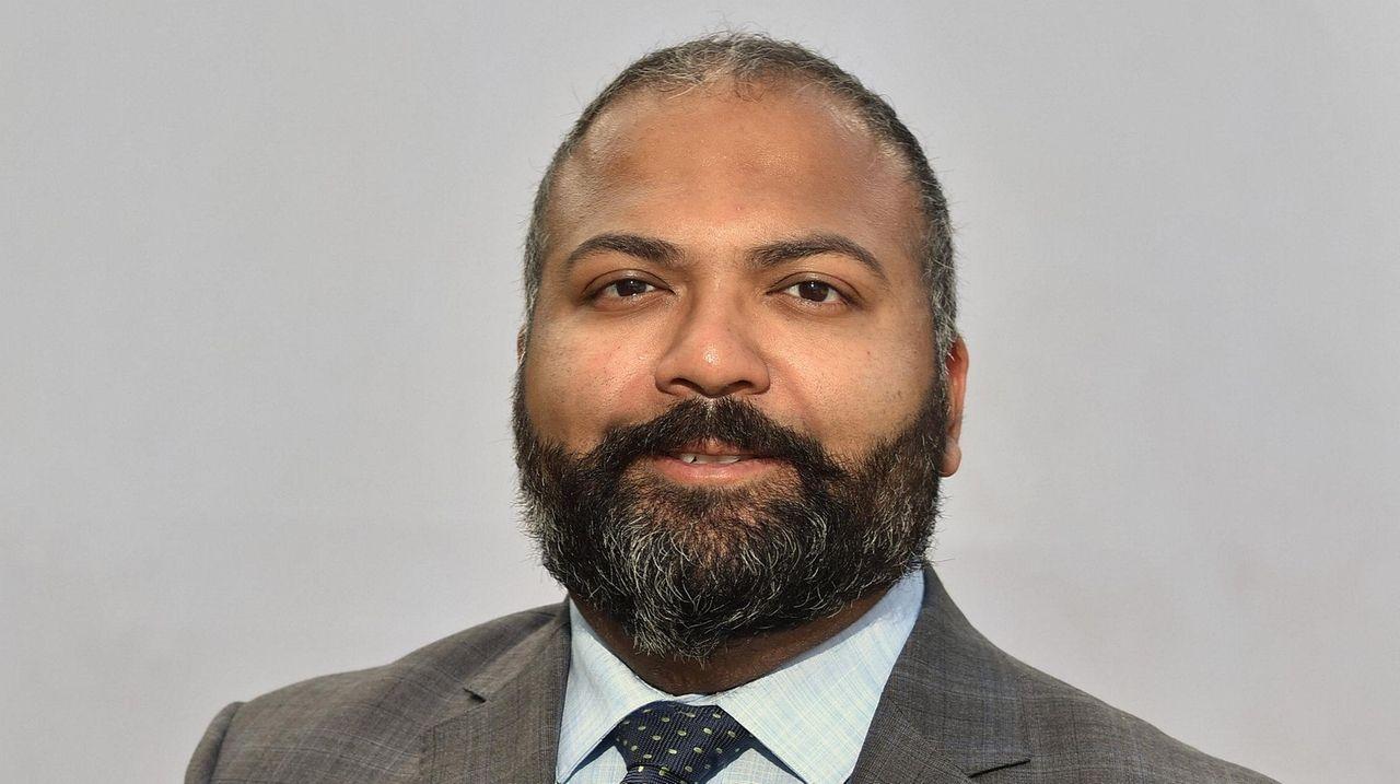 Newsday endorses Thomas in 6th Senate District
