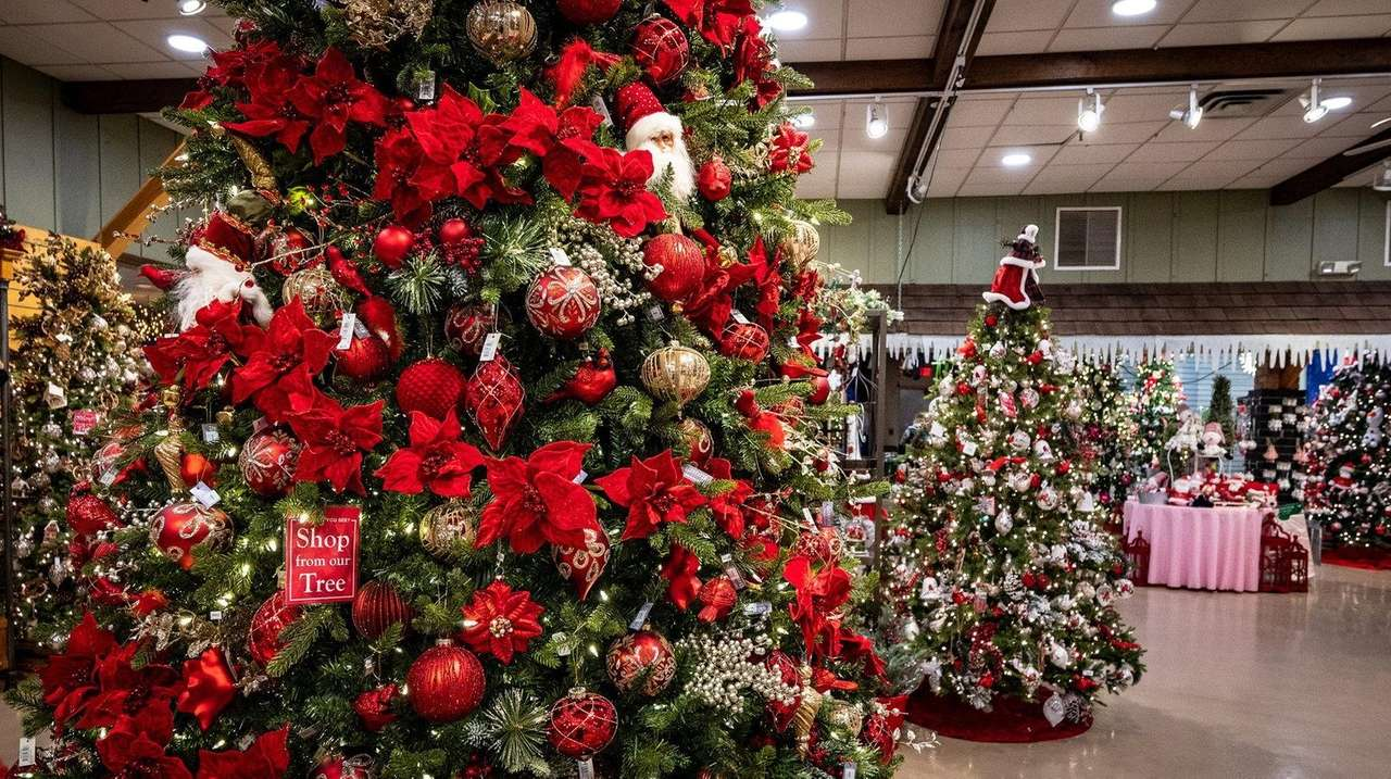 Christmas Already Expect Unprecedented Discounts As Li Retailers Launch Holiday Sales Early Newsday