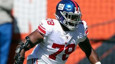 Giants offensive tackle Andrew Thomas  against the