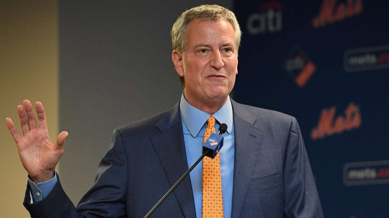 NY Mayor Assures Action Against Trump 2020 Chanting officers