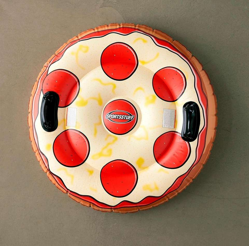 Inflatable pizza pie snow tube with molded handles
