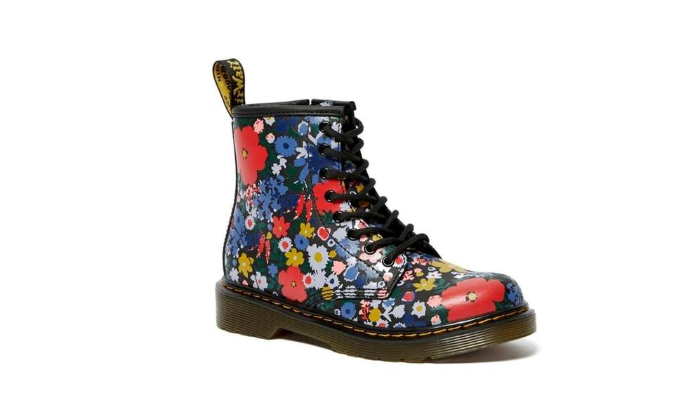These classic leather Dr. Martens for girls have