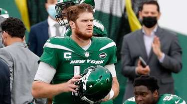 Sam Darnold #14 of the Jets looks on