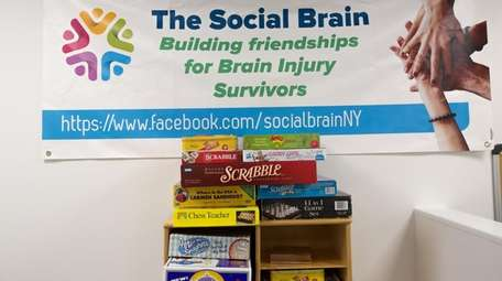 A sign publicizes The Social Brain in Port
