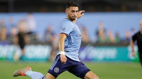 New York City FC's Valentin Castellanos sets up