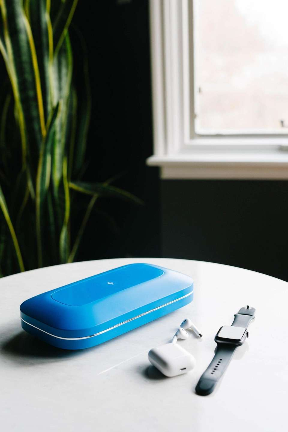Clean your smartphone and accessories with the PhoneSoap