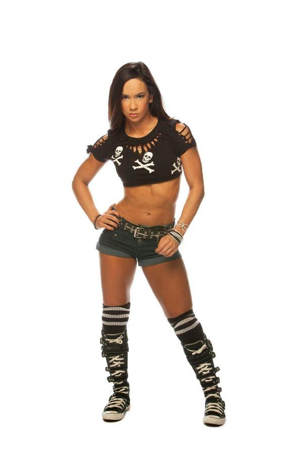 WWE Diva AJ Lee came home for WrestleMania