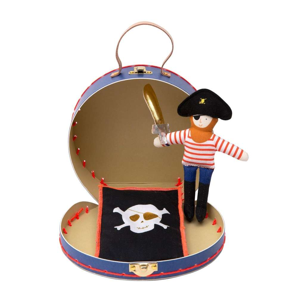 Bring your pirate friend on all your adventures