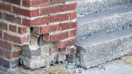 Fix problems with outdoor masonry because winter could