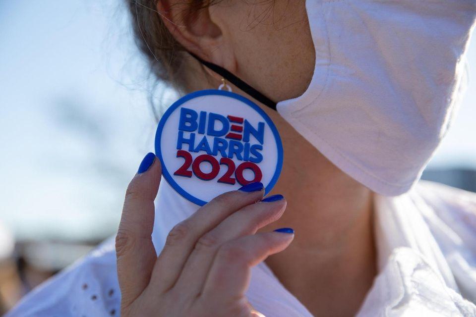 Sandra Douglas's Biden and Harris 2020 earrings at