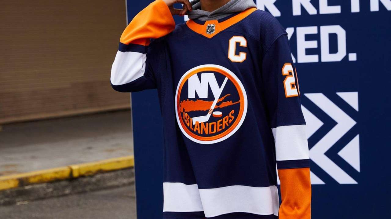 See the Isles' and Rangers' new reverse retro jerseys | Newsday