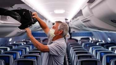 Delta Airlines is continuing to block middle seats