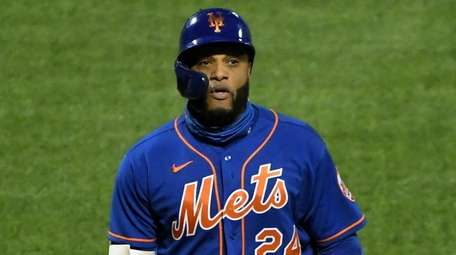 Mets designated hitter Robinson Cano returns to the